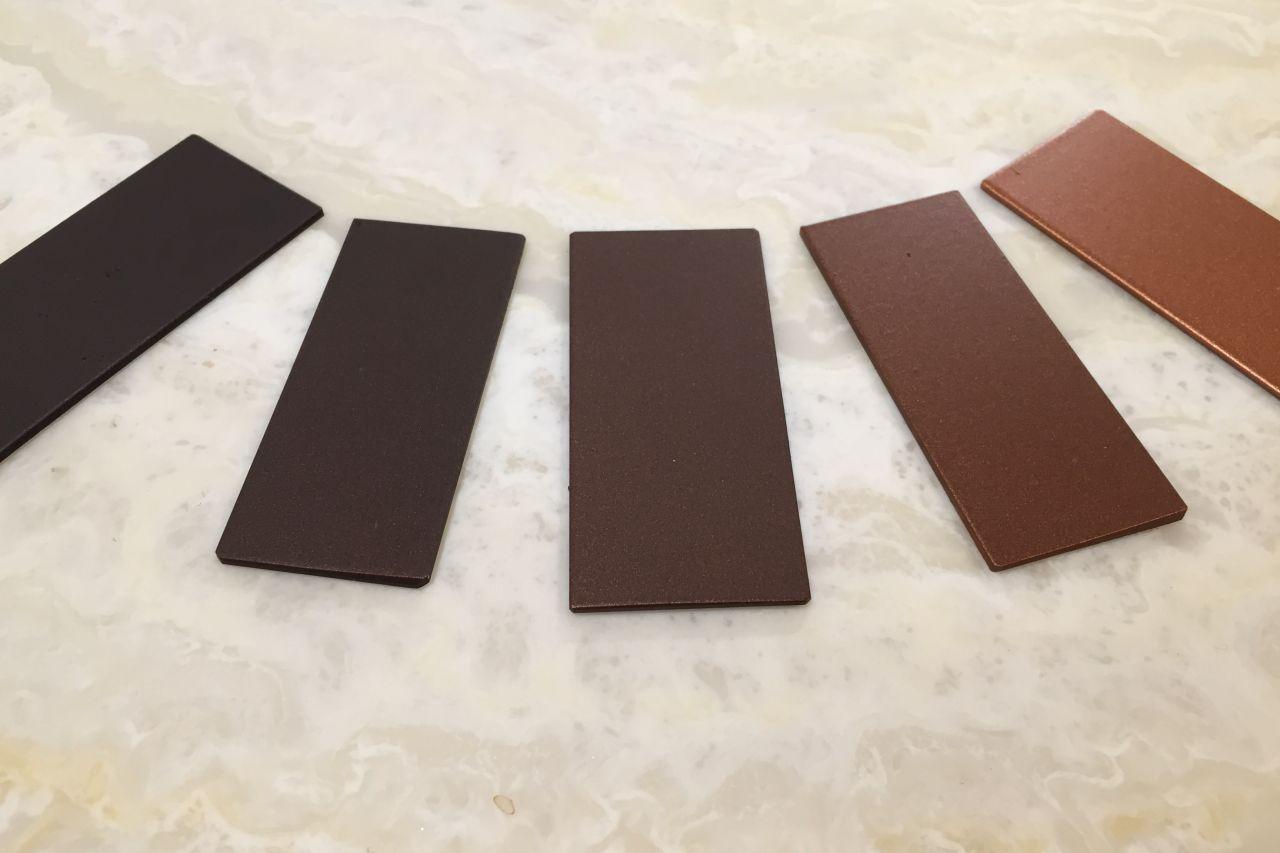 Andere kleuren en toepassingen van stalen deuren en -kozijnen.
